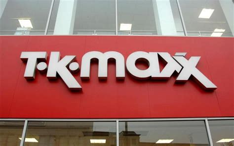 tk maxx bathroom mirrors dies two days after getting tiny cut on his at
