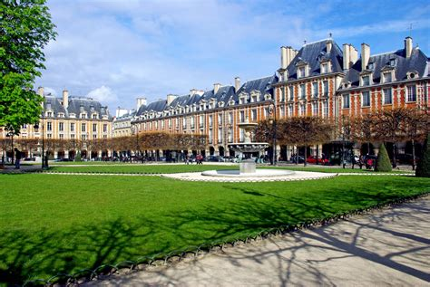 The Place Saturday Morning On The Place Des Vosges Moments