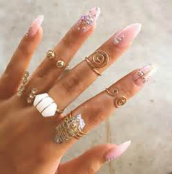 Brown And White Duvet Jewels Gold Finger Rings Beautiful Nails Nail Polish