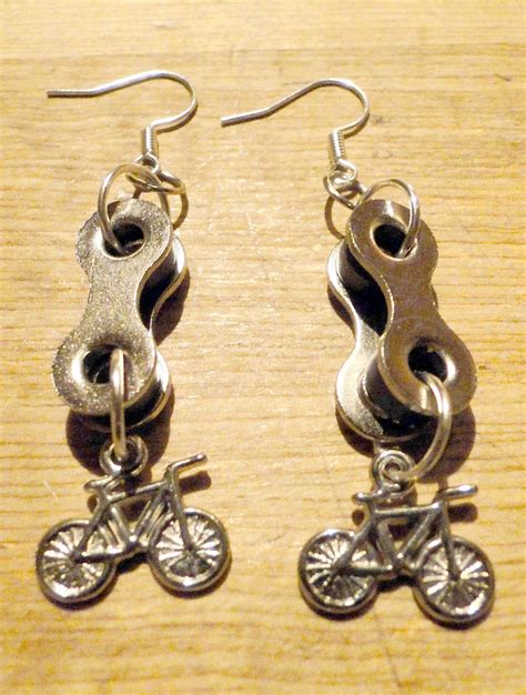 cadenas para ruedas de bicicletas aros hechos con cadenas de bicicleta recicladas