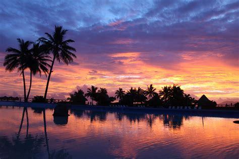 5 Things White And Beautiful by Tahiti Sunset Jon Rawlinson Flickr
