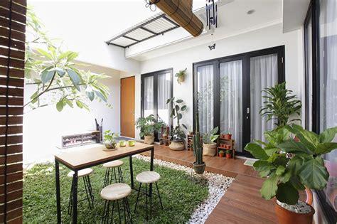 rumah damarisa hunian keren  konsep dapur industrial terbuka