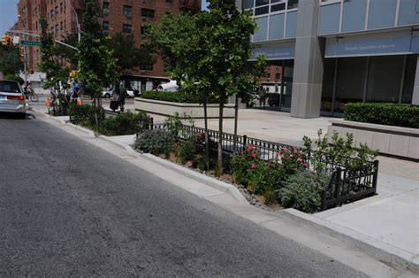 The Garden Nyc by Nyc Begins Building 321 Curbside Gardens The
