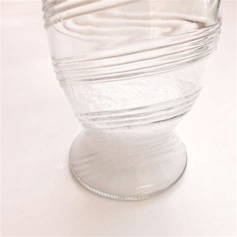 How To Clean Vase by How To Clean Glass Vases Popsugar Australia Smart Living