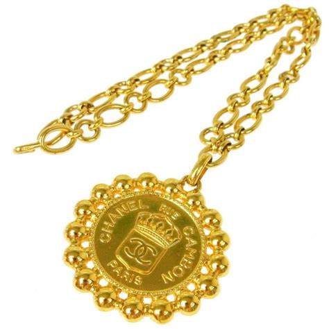 chanel vintage gold large coin charm rue cambon
