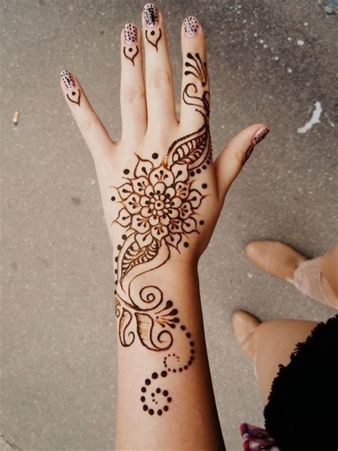 henna tatto hand easy henna tattoos