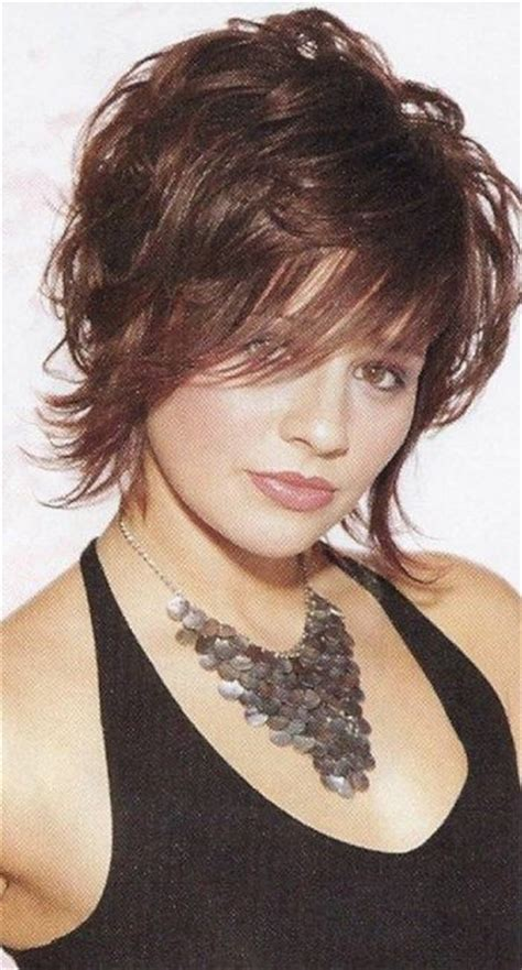 short shaggy hairstyles for wavy hair natural wavy hair short hairstyles with bangs and
