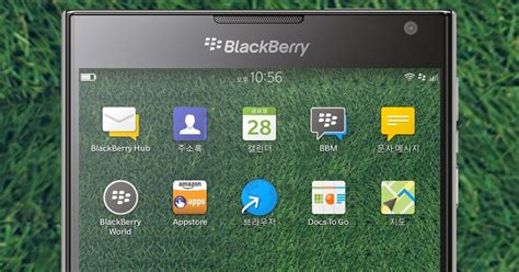 themes line for blackberry os10 line friends wallpaper blackberry theme wallpapers