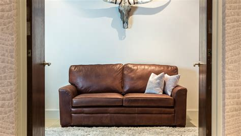 what color goes with brown what colour carpet goes with a brown leather sofa