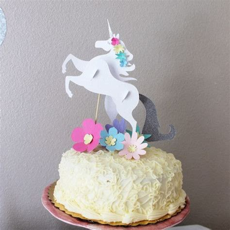 10 inch unicorn cake includes one 9x8 inch three dimensional unicorn cake