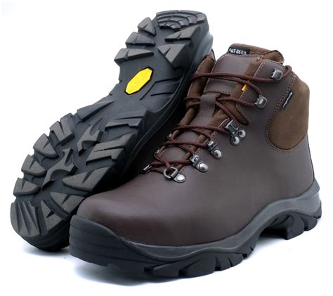 wide fitting walking boots for altberg fremington wide fit mens walking boots altberg