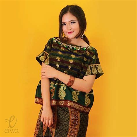 Baju Blouse Lq 17 Obin Blouse 17 best images about baju bodo on traditional instagram and indonesia