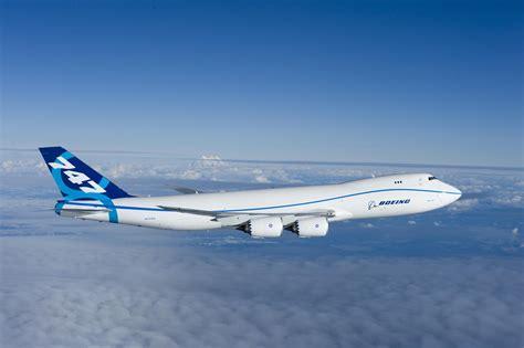 who flies 747 8 file boeing 747 8 flight everett wa jpg