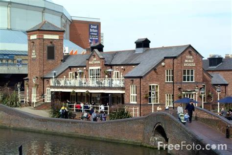 the malt house the malt house the birmingham canal navigations pictures free use image 1046 04 3