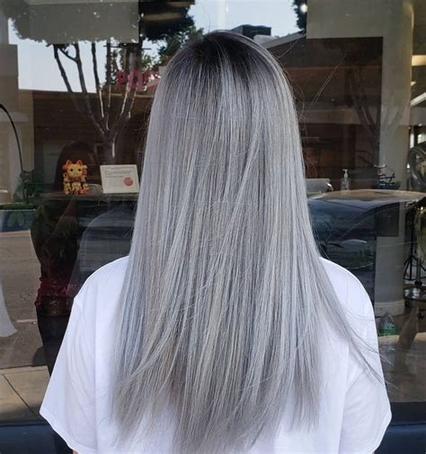 female long hairstyle  color trend women long