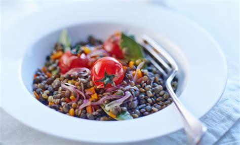 cucina vegana facile insalata fredda di lenticchie e pomodorini la ricetta
