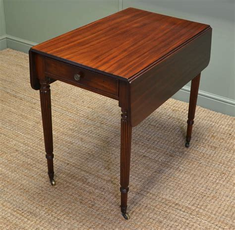 Fine Regency Gillows Small Drop Leaf Mahogany Dining Table Small Mahogany Dining Table