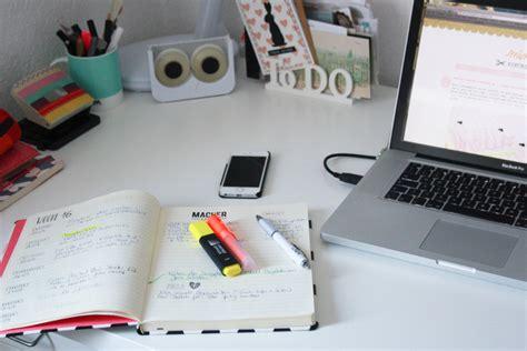wie organisiere ich meinen schreibtisch blogplaner selber machen organisiert bloggen mimizuku