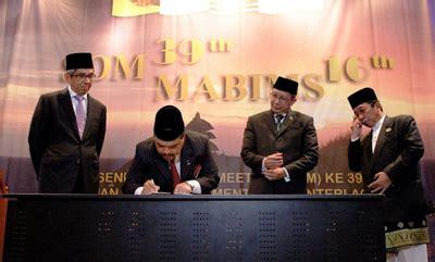 haji tahun 2016 malaysia antrian haji indonesia terlama 42 tahun di malaysia 93