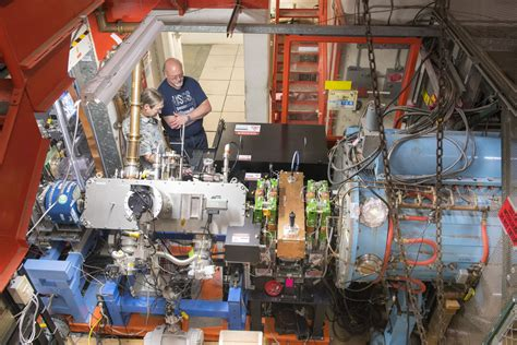 Accelerator Lazer In new laser technology shows success in particle accelerators