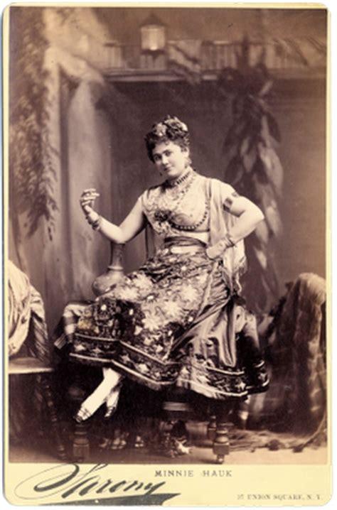 victorian clip art woman  gypsy costume