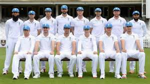 England s 2015 ashes winning squad line up for a team photo at the