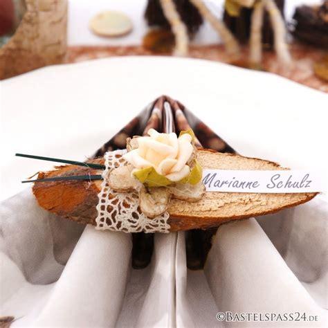 Hochzeit Tischkarten by Tischkarten Hochzeit Mit Holzscheiben Sehr Nat 252 Rlich Und