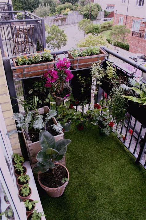 Garden Ideas For Small Balconies Best 25 Small Balcony Garden Ideas On Small Balconies Tiny Balcony And Balcony Garden