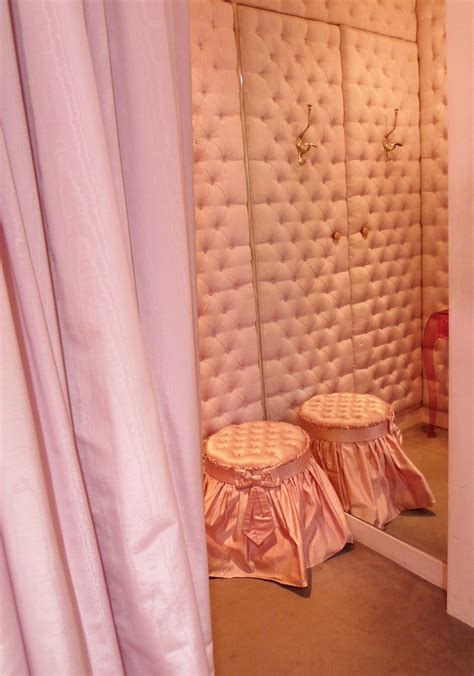 wall paint that doesn t get dirty pink tufted walls chantal thomass boutique if my