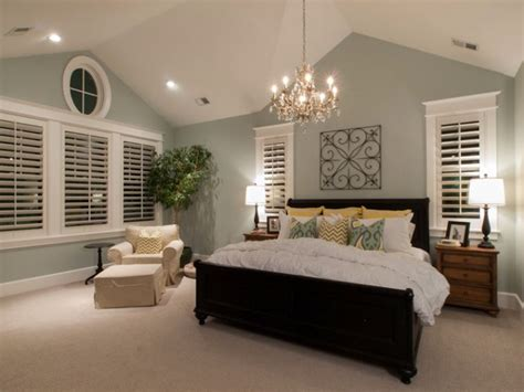 sloped ceiling bedroom decorating ideas 16 most fabulous vaulted ceiling decorating ideas