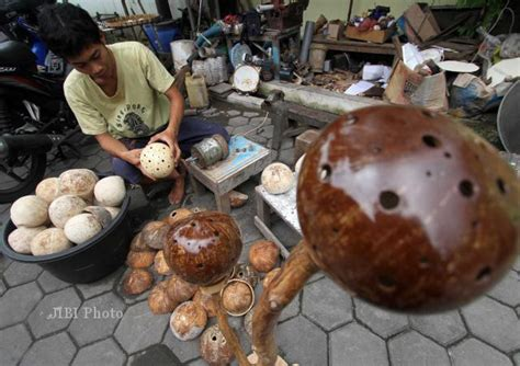 batok kelapa astry craft kerajinan tempurung kelapa feature 187 harian jogja