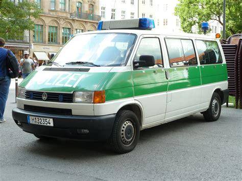 Lackieren Vw T4 by Vw T4 Der M 252 Nchener Polizei In Minzgr 252 N Wei 223 Er Lackierung