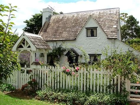 Country Cottage by Thoughts From A Country Country Cottages