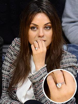 Photo mila kunis s engagement ring all the details style