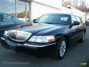 2010 lincoln town car signature limited in black photo 17