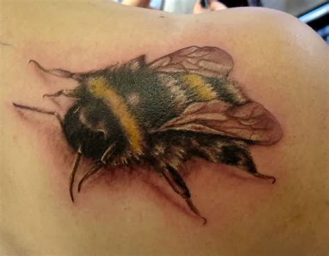 bees tattoo designs realistic bee ideas and realistic bee designs