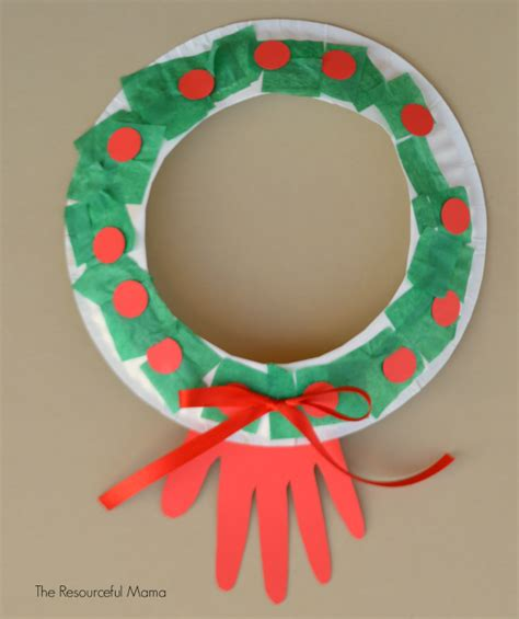 Paper Wreath Craft - simple paper plate wreath allfreekidscrafts