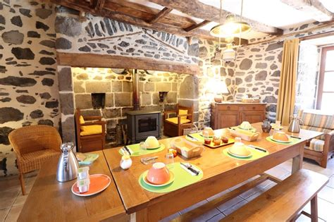 Chambres D Hotes A Salers Dans Le Cantal by Chambre D H 244 Tes 9089 224 Salers Chambre D H 244 Tes 6