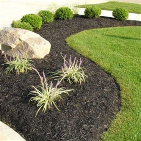 how to mulch a flower bed photos the many types of landscape mulch