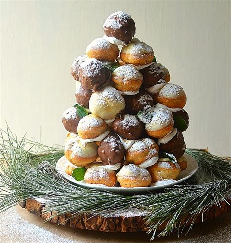 cream puff christmas trees cheesy spinach and artichoke