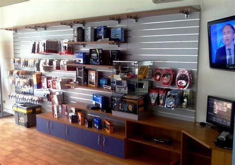 arredamenti negozio arredamento negozio pannelli dogati doghe arredamenti negozi