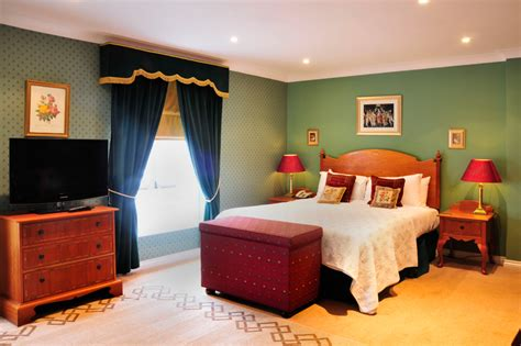 derby room the derby room the chalk hotel hotel accommodation in epsom surrey