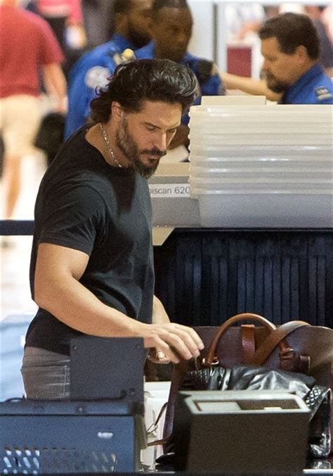 Jo In Leash L Intl joe manganiello joemanganiello at lax 13 10 the