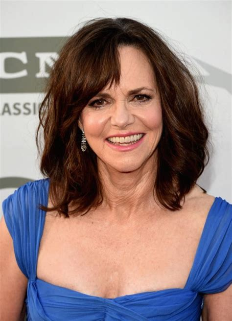 Sally Field Hairstyles by 20 Gorgeous Medium Length Haircuts For 50