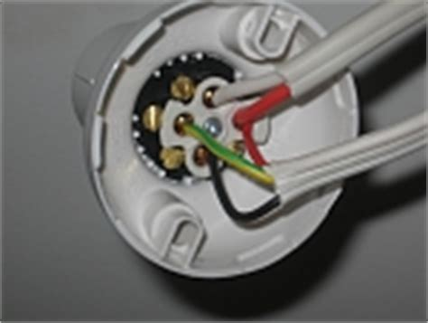 light fitting wiring diagram australia hpm batten holder wiring conflicted answers
