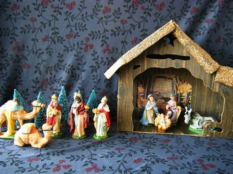 vintage 19 piece nativity set from italy vintage 9 nativity set made in italy sold