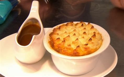 This Morning Recipes Phil Vickery Cottage Pie by Phil Vickery Cooked Shepherd S Pie Recipe On