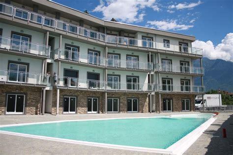 appartamenti con piscina appartamento domaso residence con piscina e garage