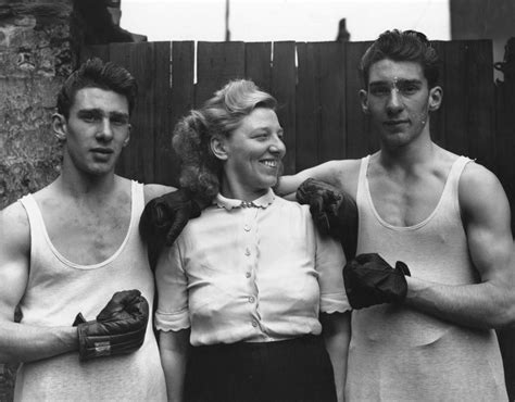 film gangster londra amateur boxers reggie ronnie kray mother violet kray the