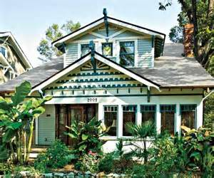 cool greens paint color ideas for craftsman houses